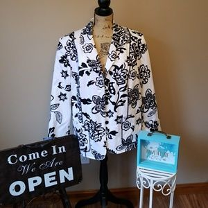 Alfred Dunner sz 16W   Blazer black and white